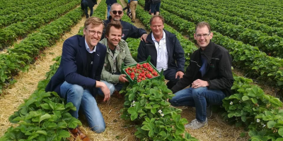 Name-giving ceremony of our latest variety: Dahli!